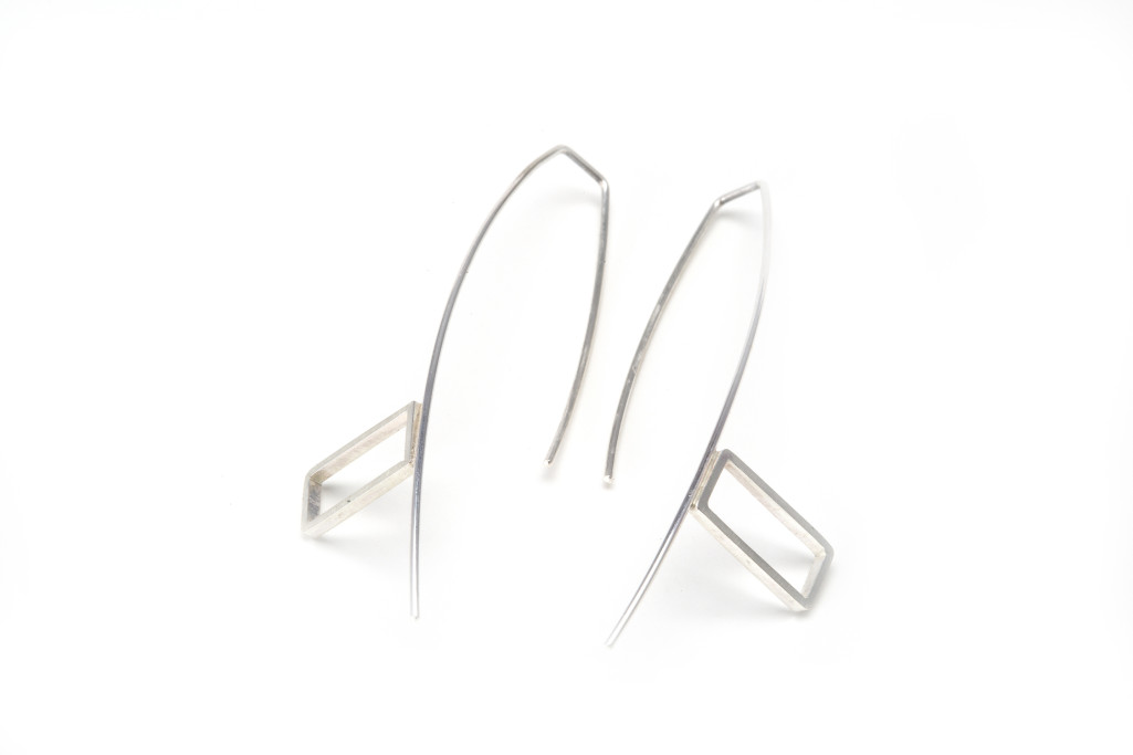 C06 - Silver Rectangle Loop Earings